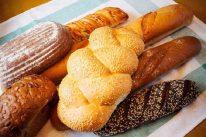 Ăn bánh mì buổi sáng có béo không?